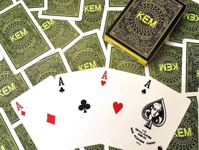 راهنمایی بازی پوکر شورت دک هولدم + ترفند و قوانین لازم